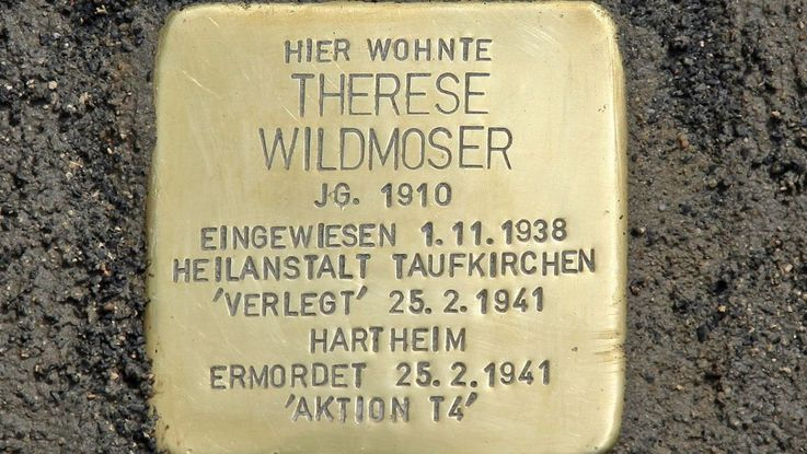 Stumbling stone in memory of Therese Wildmoser, Photo: City of Dachau