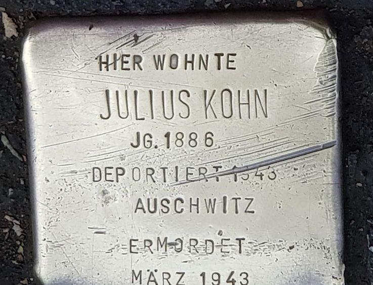 3 stumbling blocks in Dachau, in memory of Vera and Hans Neumeyer and Julius Kohn
